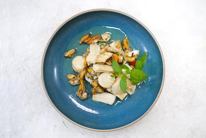 Salatka z owocow morza